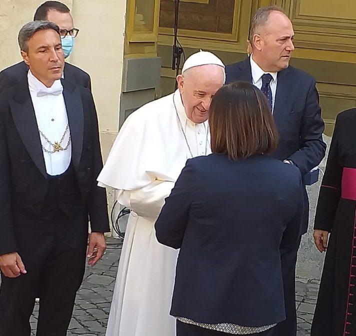 Papa Francesco ha incontrato badanti e colf