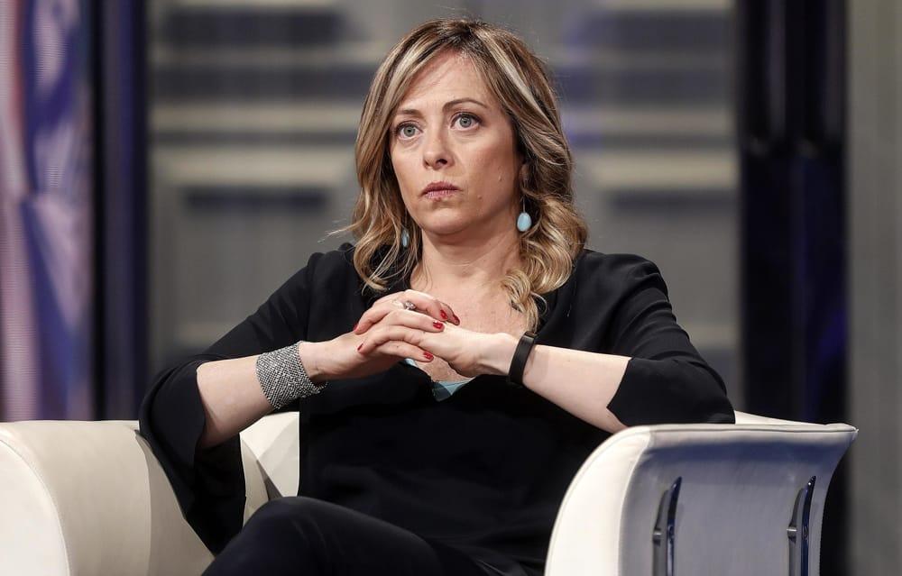 Giorgia Meloni agita le regionali in Calabria