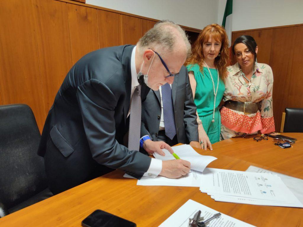 Dispersione scolastica, la firma del protocollo