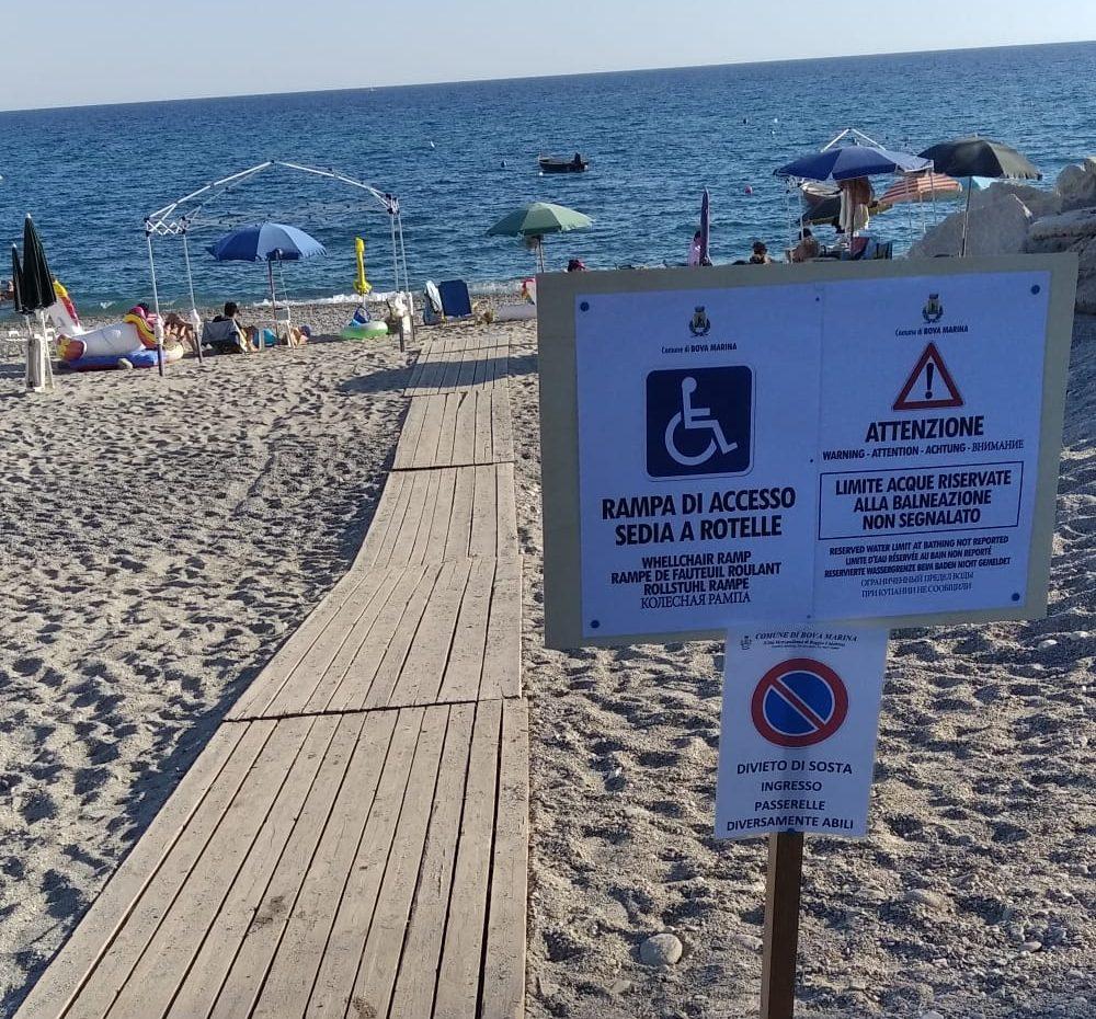 """Mare """"vietato"""" a un piccolo disabile"""