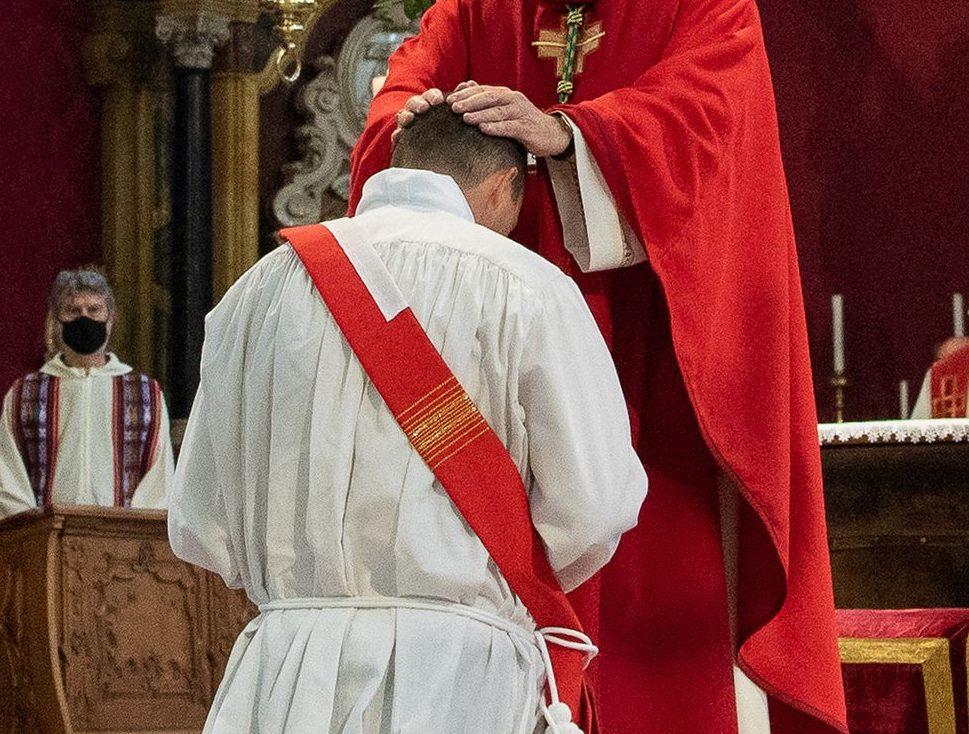 Cassano si prepara ad accogliere un nuovo sacerdote