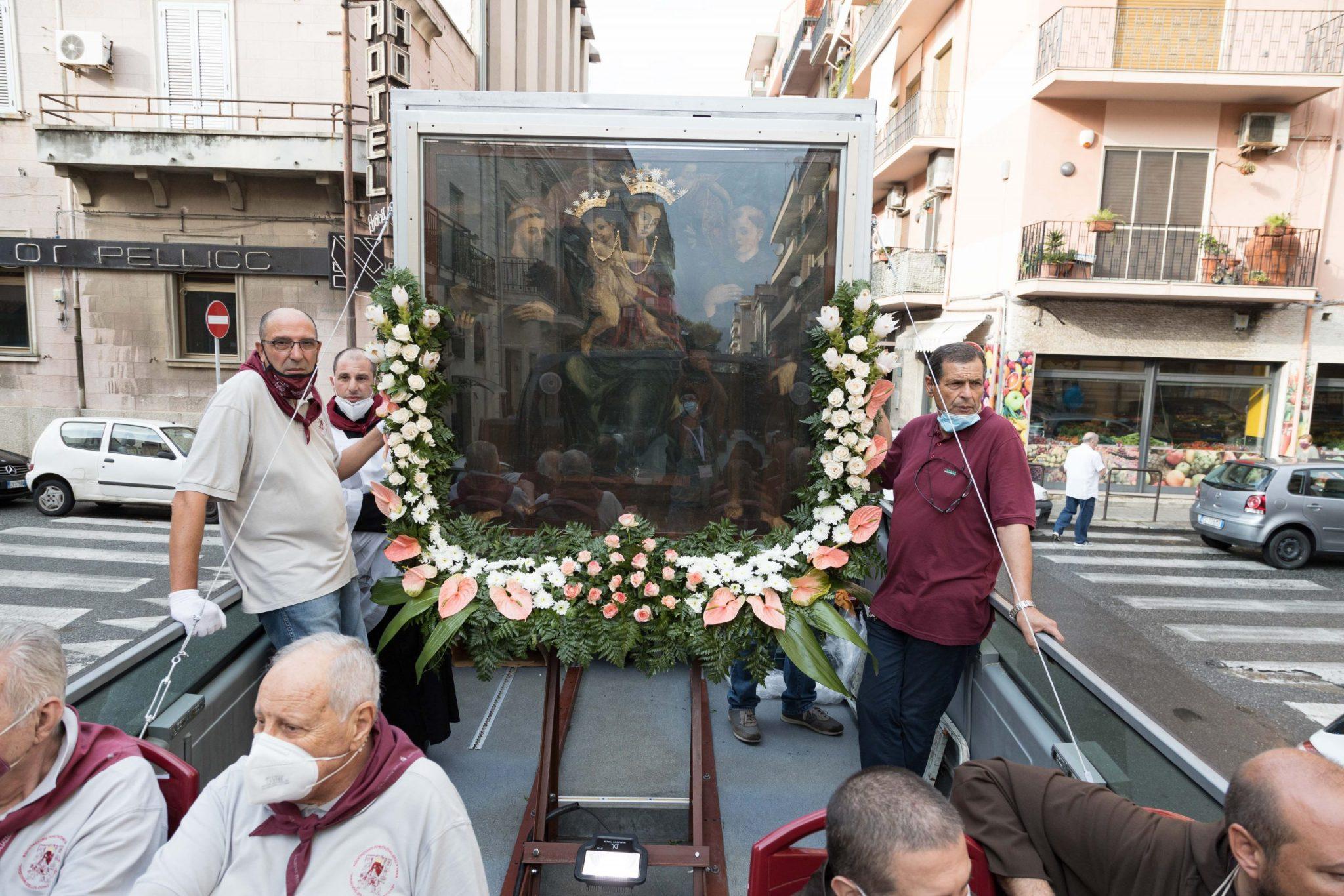La Madonna sul bus, una presenza mai così vicina
