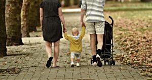 Le critiche all'assegno familiare