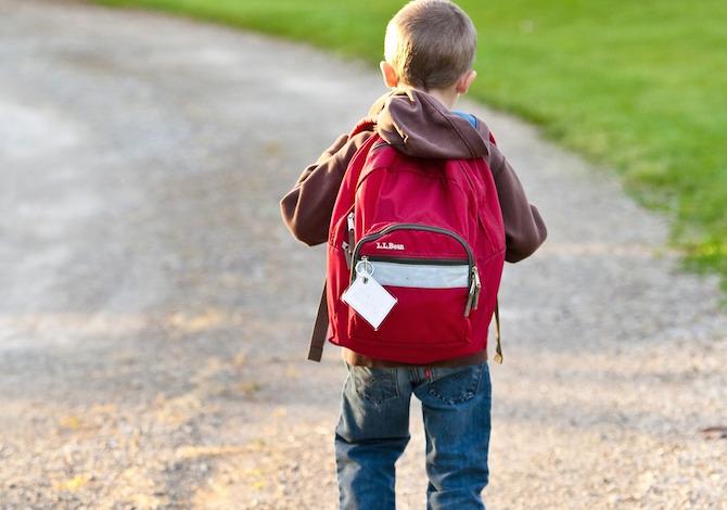 """Uno zaino """"sospeso"""" per i bambini in difficoltà economica"""